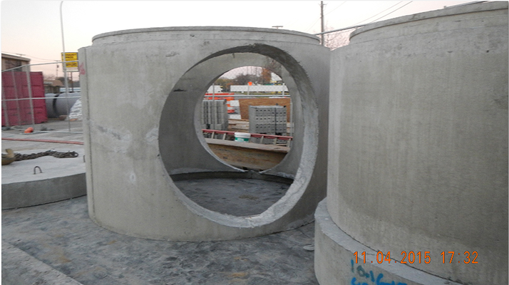 Staging of pre-cast vaulted manhole