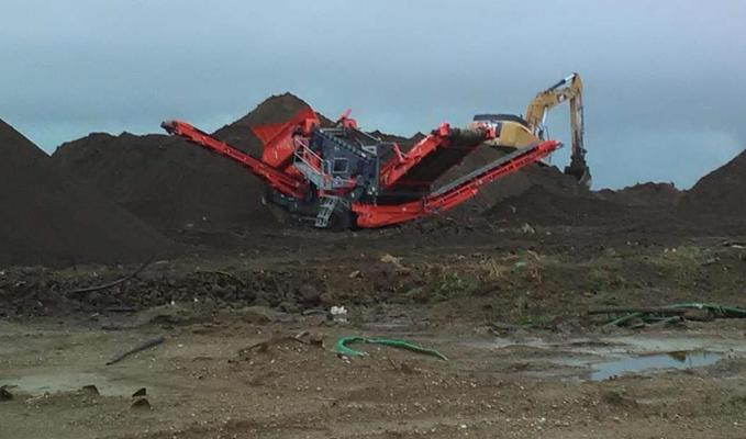 Screening Plant to Remove Debris from Solidified Material going into RCRA Cell